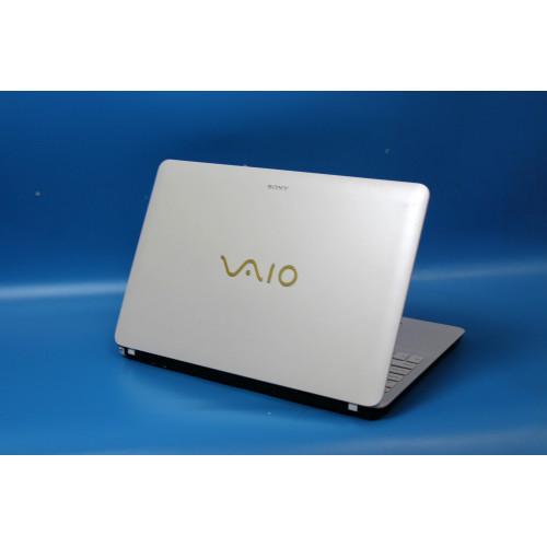Sony Vaio в стильном белом корпусе